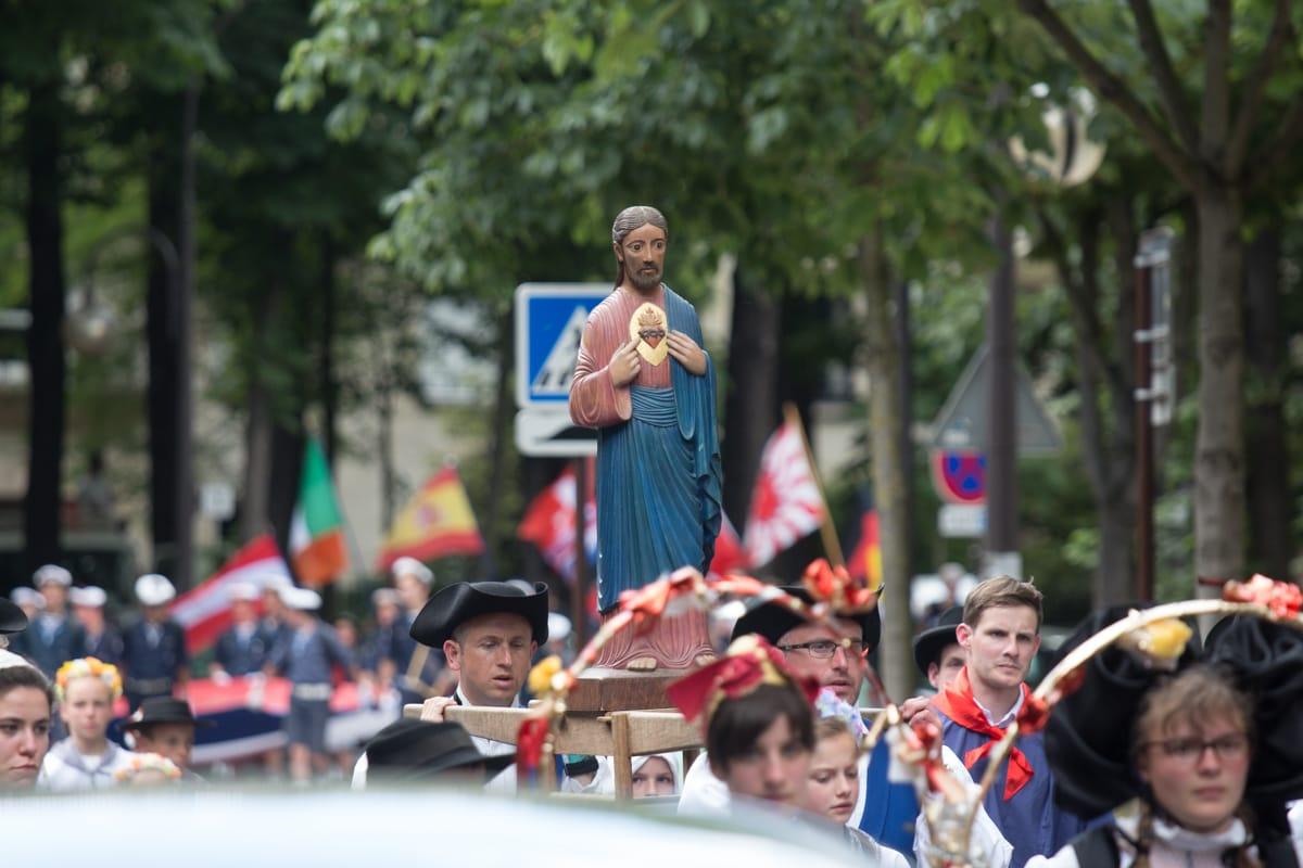 Pèlerinage de Chartres – Les images du lundi