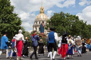 Read more about the article Pèlerinage de Chartres – Procession du lundi dans Paris