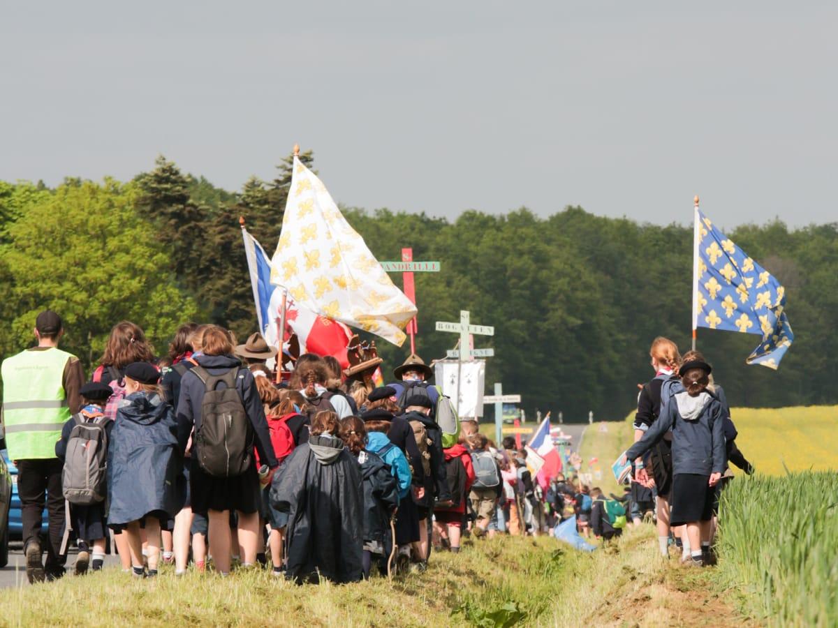 La marche des enfants au pèlerinage de Pentecôte