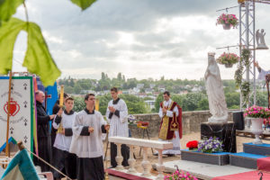 Pèlerinage de Pentecôte 2019 : La messe d'ouverture à Chartres
